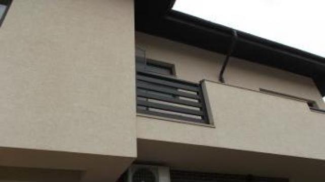 Balustrada exterior din lemn de brad