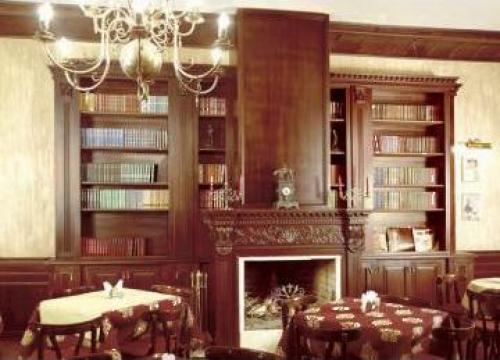 Biblioteca personalizata (amenajari interioare)