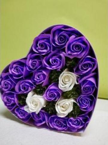Cadou Cutie inima 21 de trandafiri 0094