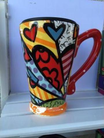 Cana ceramica fina cu capac din plastic