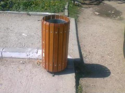 Cos gunoi din lemn