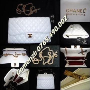 Geanta poseta alba, lant auriu Chanel