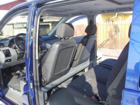 Inchiriere Mercedes Vito transport persoane