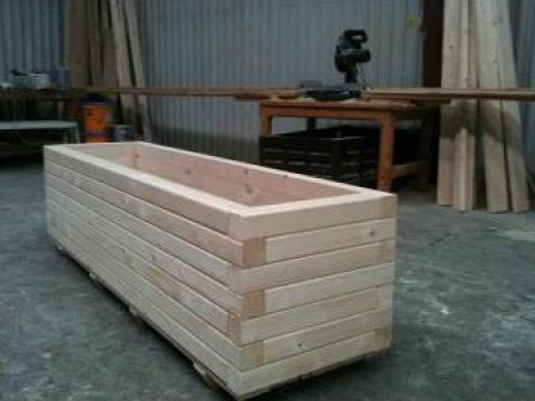 Jardiniera din lemn