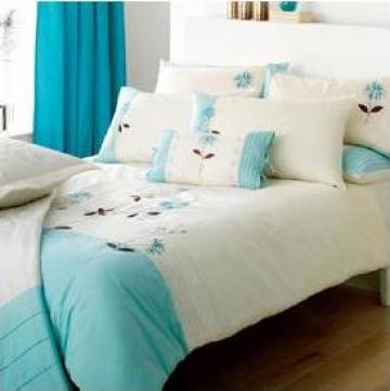 Lenjerie de pat turcoaz cu alb din bumbac si poliester