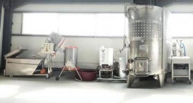 Linie completa procesare suc fructe 500 litri/zi