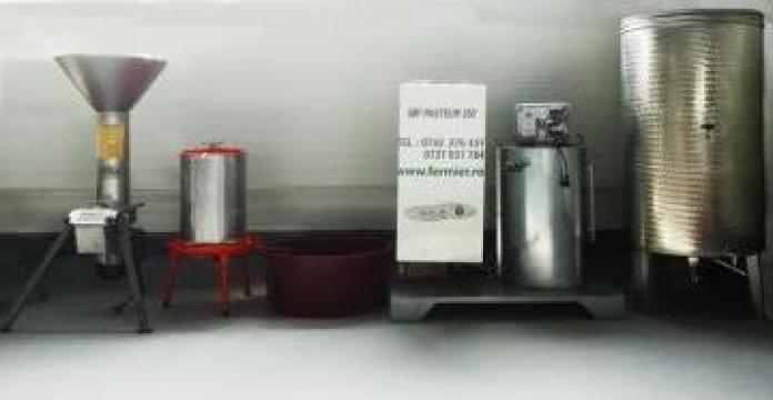 Linie completa procesare suc fructe 700-1500 litri/zi