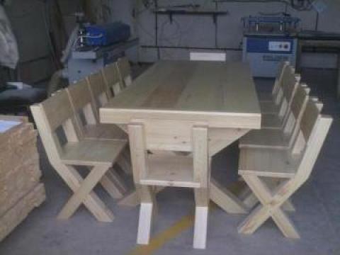Masa terasa lemn masiv