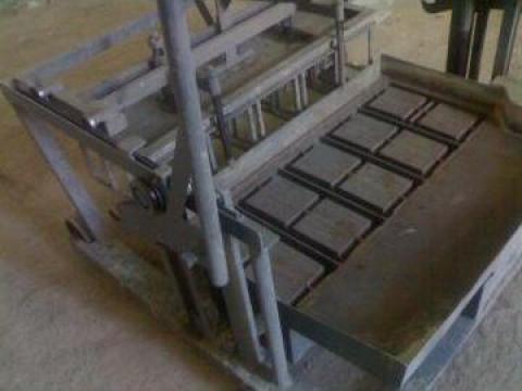Masina de boltari cu vibratie 5 bucati/extractie