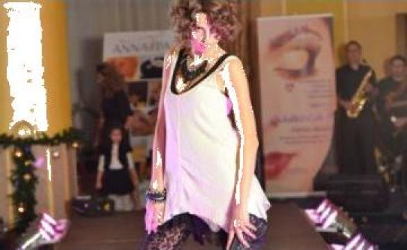 Podium Sunet Lumini prezentare moda Talida Cozma Agency
