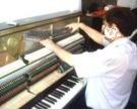 Servicii de acordaj si reparatie instrumente muzicale