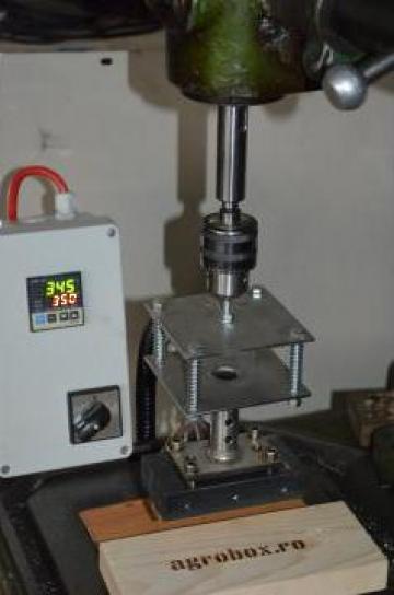 Stampila termica mecanica